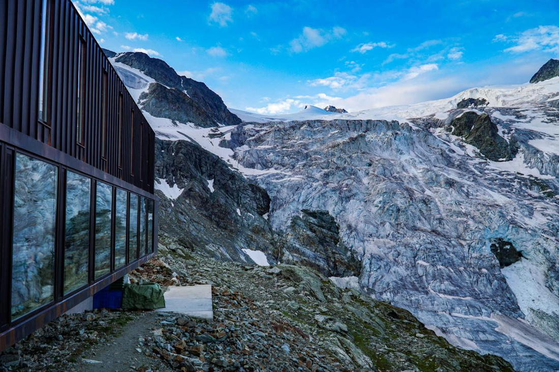 View of Cabane de Moiry and Moiry Glacier